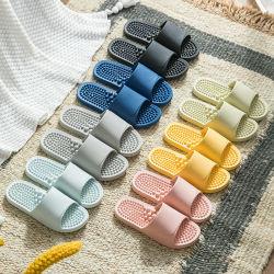 부드럽고 편안한 마사지 기능이 있는 건강 관리 PVC 욕실 슬리퍼 커플 건강 슬리퍼