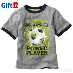 有機性綿の赤ん坊の子供は子供のための衣類のTシャツに着せる