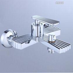 Un style moderne de la Chine robinet monté sur un mur salle de bain baignoire douche de pluie de raccord Mitigeur