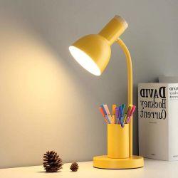 De Verlichting van het huis voor het Licht van de Lezing van het Bureau met de Doos van de Pen in Slaapkamer