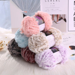 Het met de hand breien van Garen van het Bont van de Pret van de Sjaal van de Kleuren van de Fabriek van het Garen het In het groot Zachte Warme voor het Buitensporige Garen van de Wimper van de Sjaal