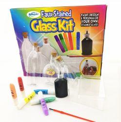 教育DIYのおもちゃを塗る子供ののどのステンドグラスのびんの破裂音