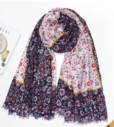 Frauen Neckschal 2022 Frühling Schals Weiß Blume Druckdesign Dame Fashion Head Wrap langer Schal für Damen mit bequemer Handgefühl
