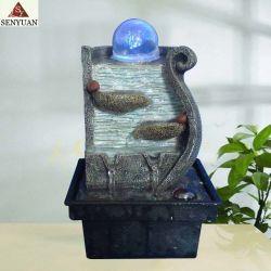 La fontana di acqua dell'interno orna la sfera di rotolamento di vetro con l'indicatore luminoso del LED