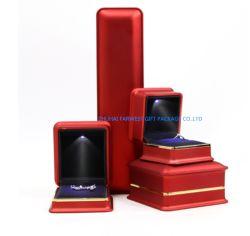 Jóias de plástico pequena caixa de oferta de tinta brilhante com LED luminoso para Bracelete Anel Brinco Colar Embalagem OEM de boa qualidade e bom preço qualidade Zhuhai impresso