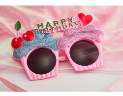 La Decoración de Cere.zas Torta de Cumpleaños Regalos Amor Creativo Gafas Alimentación