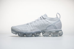 Les hommes de l'air Vapormax Sneakers exécutant les chaussures de sport des formateurs