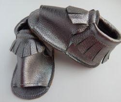 Nouveau design de mode glands Sandales en cuir pour nourrisson