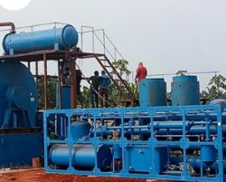 Porfessionalの熱分解の技術の上海によってなされる不用なゴム製作成重油機械ライン