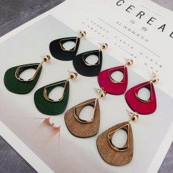 La resina de la moda de acetato de celulosa Tortoiseshell Drop Earrings para mujeres