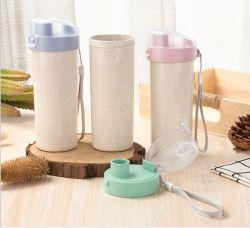 De nouveaux produits en plastique biodégradable sans BPA de gros de la paille de blé Sport l'eau potable bouteille avec logo personnalisé