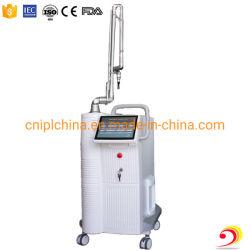 Professional 10600nm laser fractionnel de CO2 Medical Device avec RF du tube métallique d'entraînement de longue durée de vie