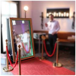 Fotomaton mayorista de alquiler de boda Photobooth redonda Oval de la máquina Espejo Mágico Photo Booth