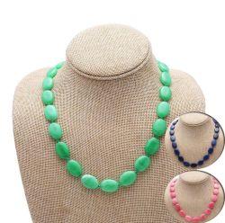 De ovale Berijpte Natuurlijke Juwelen van de Halfedelsteen van de Halsband van de Steen Hand-Woven Retro