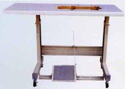 حامل وطاولة ماكينة الخياطة الصناعية