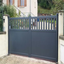 アルミニウム塀の庭の塀の粉の上塗を施してある金属のスラットの塀のスライド・ゲート2020年