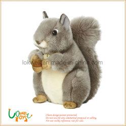 Un jouet en peluche animal en peluche Animal jouet en peluche pour les enfants d'écureuil