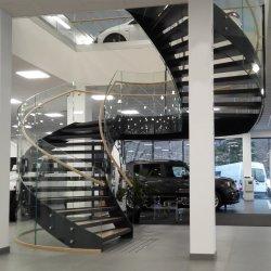 Лестница в коммерческих целях современный интерьер изогнутая лестница стекло поручень лестницы