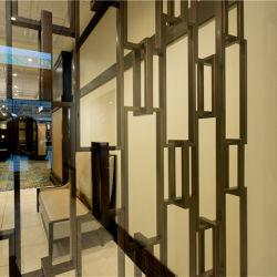 フォーシャンの工場は室内装飾のためのステンレス鋼の縦型グリルをカスタム設計し、大きさで分類する