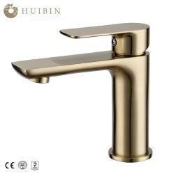 Nieuw kwam Kraan van het Water van het Bassin van het Toilet van de Badkamers van het Messing van de Luxe de Gouden Loodvrije aan