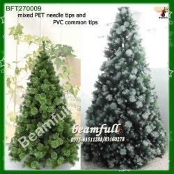 Grande Árvore de Natal de agulhas de pinheiro de neve