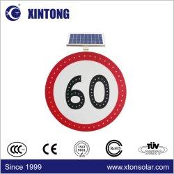 Xintong wijst LEIDENE van de Macht van de Film op de Raad van de ZonneVerkeersteken van het Verkeer met Zonnepaneel