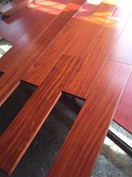 Villaのための美しいRed Wine Balsamo Solid Wood Flooring