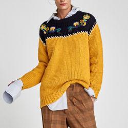 Neue Dame-Form-Pullover-Strickjacke-Stickerei-Gelb-Farbe gestrickte Kleider