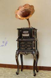 Tornamesa Vintage con el clásico Cuerno Kd-6012UR