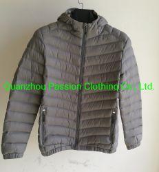 野外活動のための人の軽量のパッドを入れられたジャケット