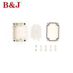 Caja de conexiones resistente al agua con placa inferior 80x110x70mm