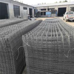 熱い浸された鋼鉄マットは溶接された金網の塀のパネルに電流を通した
