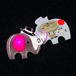 Incandescenza del distintivo degli ornamenti LED di natale nello scuro per i ricordi del LED, distintivo lampeggiante, distintivo a forma di dell'indicatore luminoso dell'automobile