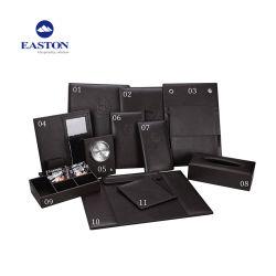 Cuir synthétique Blanchisserie Liste titulaire avec anneau en métal et de poches