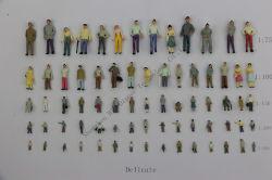 1 : 75, 1 : 87, 1 : 100, 1 : 150, 1 : 200 exquis Maquette en plastique peinte à la couleur des figures humaines pour former et de modèle architectural