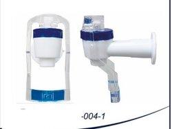 Tipi differenti di colpetti di plastica per l'erogatore dell'acqua