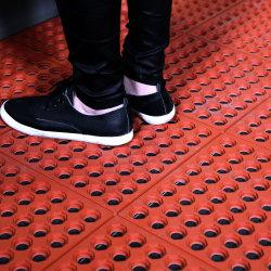 Kommerzieller hohler Sicherheits-Antibeleg-Gummi-blockierenküche-Fußboden-Fliesen