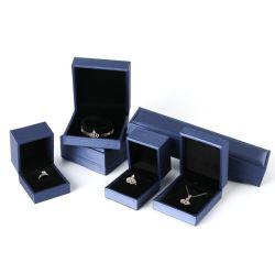 Vendita all'ingrosso personalizzata con logo in pelle Gioielli Box Orecchini di lusso bracciale Collana Scatola di imballaggio di Gioielli di scatola di anello