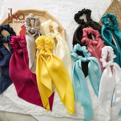 Sciarpa molle Scrunchies dei capelli dell'arco del nastro del raso di colori solidi per le ragazze delle donne