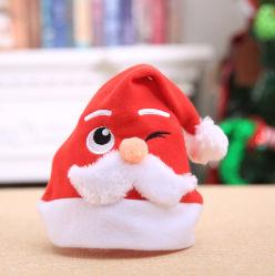 Logo personnalisé de gros de broder Non-tissé Santa Claus Hat Feuilles en peluche Pattern Hat Joyeux Noël Hat