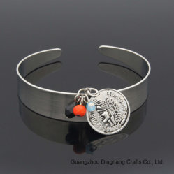 Três cores da moda Cordão de cristal de vidro Ronda Retro Gofragem Encanto Retrato Cabeça Bangle aberto para as mulheres bracelete de joalharia joalharia