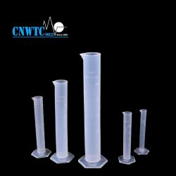 Lab 25ml graduée à bas prix de base en plastique de la coupe du vérin de mesure de la tuyère