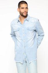 苦しめられたデニムによって編まれるトップの軽い洗浄卸売のデニムの衣類の服装
