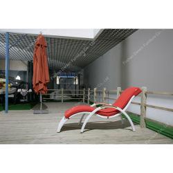 여가 공장 안뜰 가구 정원을%s 티크 목제 팔을%s 가진 옥외 등나무 수영장 일요일 Lounger
