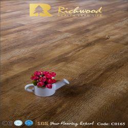 Commerce de gros 12.3mm Woodgrain vinyle noyer de texture des planchers de bois stratifié-de-chaussée