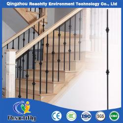 Terraza o moderno de la escalera barandilla de hierro forjado.
