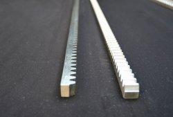 Cremagliera di attrezzo d'acciaio con i bulloni per i cancelli di scivolamento resistenti