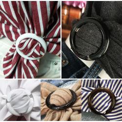 Les douanes de la courroie en plastique à motifs floraux en polyester pour les vêtements, robe de boucles