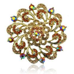 De kleurrijke Broche van de Legering van het Zink van het Gouden Plateren van de Bloem van het Bergkristal Mooie