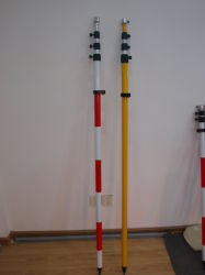 prisma d'esame Pali di 5m per la stazione totale
